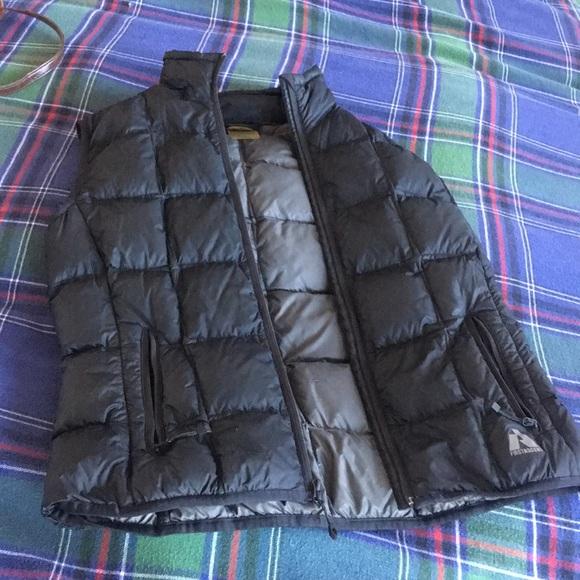 Eddie Bauer puffy vest size M